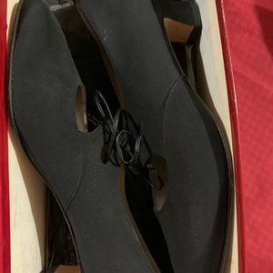 Great condition Black dress shoes size 8 1/2